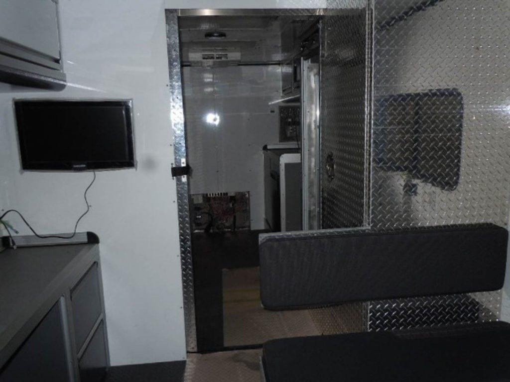 61640-F-20111108-008-1024x768